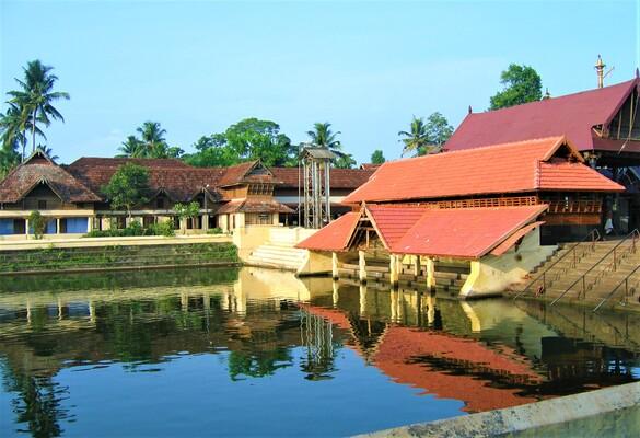 pilgrims in alappuzha, ambalapuzha temple