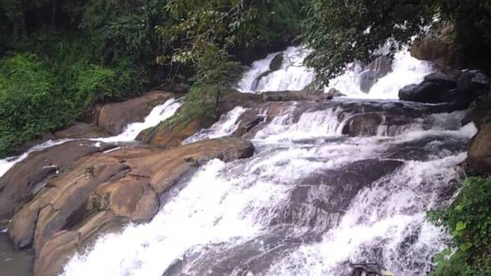 waterfalls in kottayam, places to visit in kerala, aruvikkuzhy waterfalls