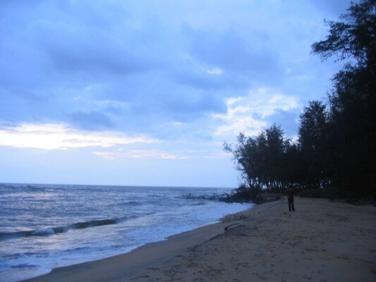 Kasaragod beaches, azhithala beach, places to visit in kerala