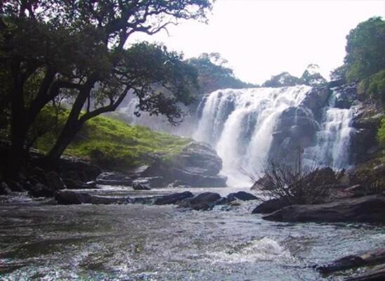 waterfalls in idukki,places to visit in kerala, keezharkuthu waterfalls