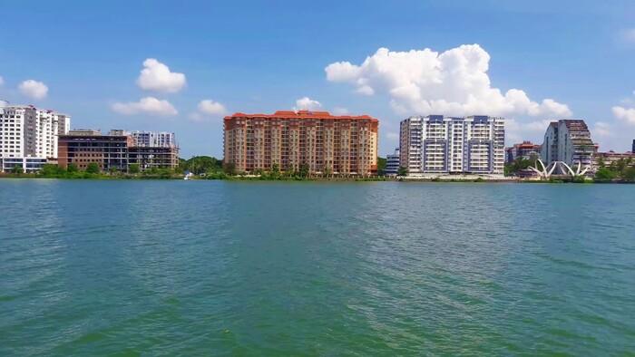backwaters in kochi, kochi lake, places to visit in kerala