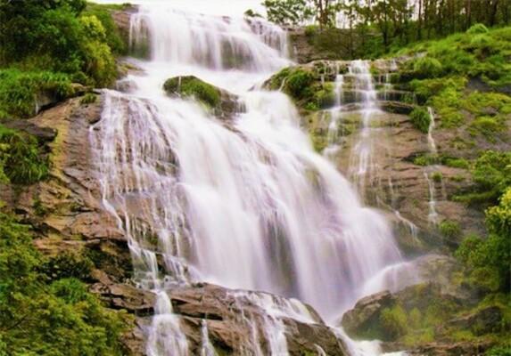 waterfalls in idukki, lakkam waterfalls, places to visit in kerala