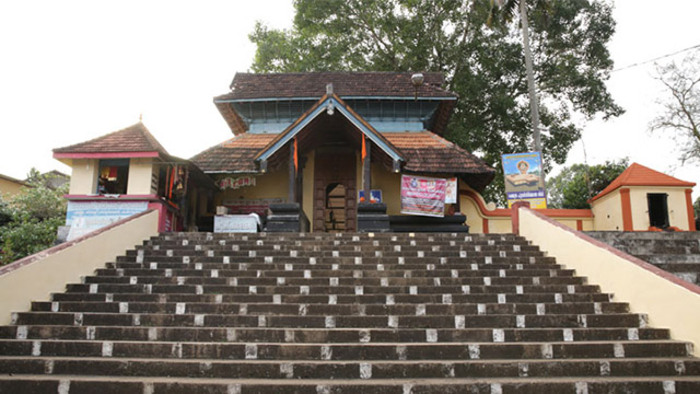 pilgrims in pathanamthitta, mahadeva temple