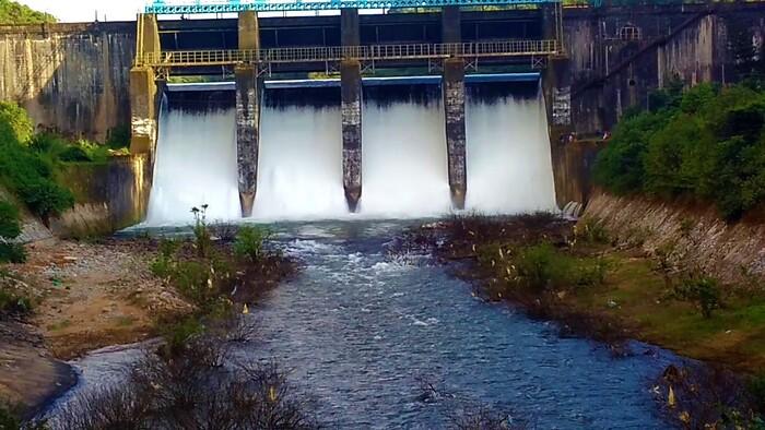 backwaters in kozhikode, peruvannamuzhi dam, places to visit in kerala