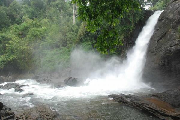 waterfalls in wayanad, places to visit in kerala, soochipara waterfalls