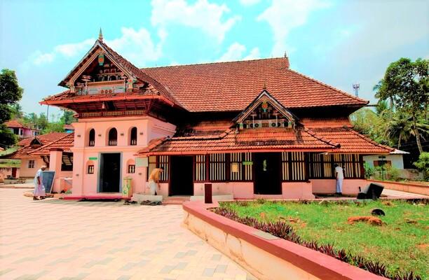 pilgrims in kottayam, thazhathangady juma masjid