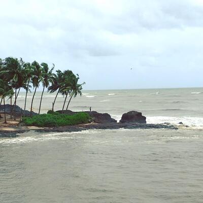beaches in malappuram, vallikunnu beach, places to visit in Kerala