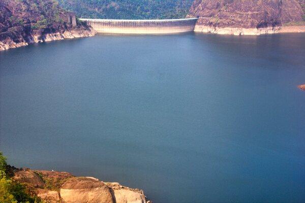 dams in idukki, kulamavu dam, places to visit in kerala