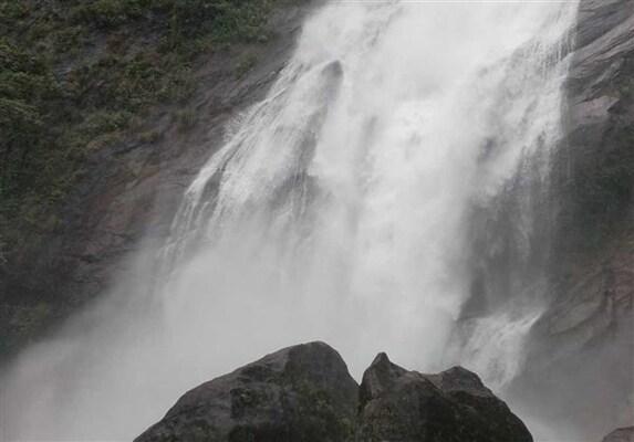 waterfalls in kottayam, places to visit in kerala, maramala waterfalls kottayam