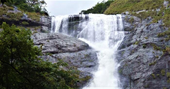 waterfalls in kollam, palaruvi waterfalls, places to visit in kerala