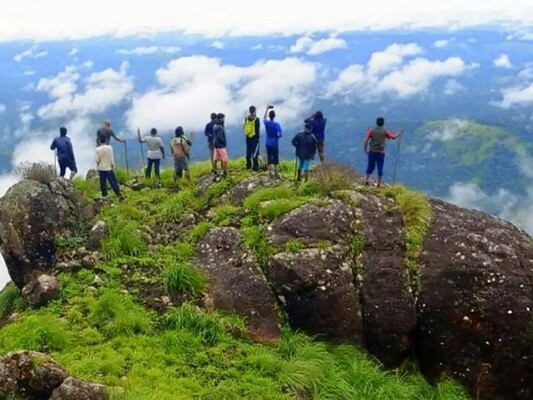 idukki hill station, top station munnar, places to visit in kerala, best honeymoon places in kerala
